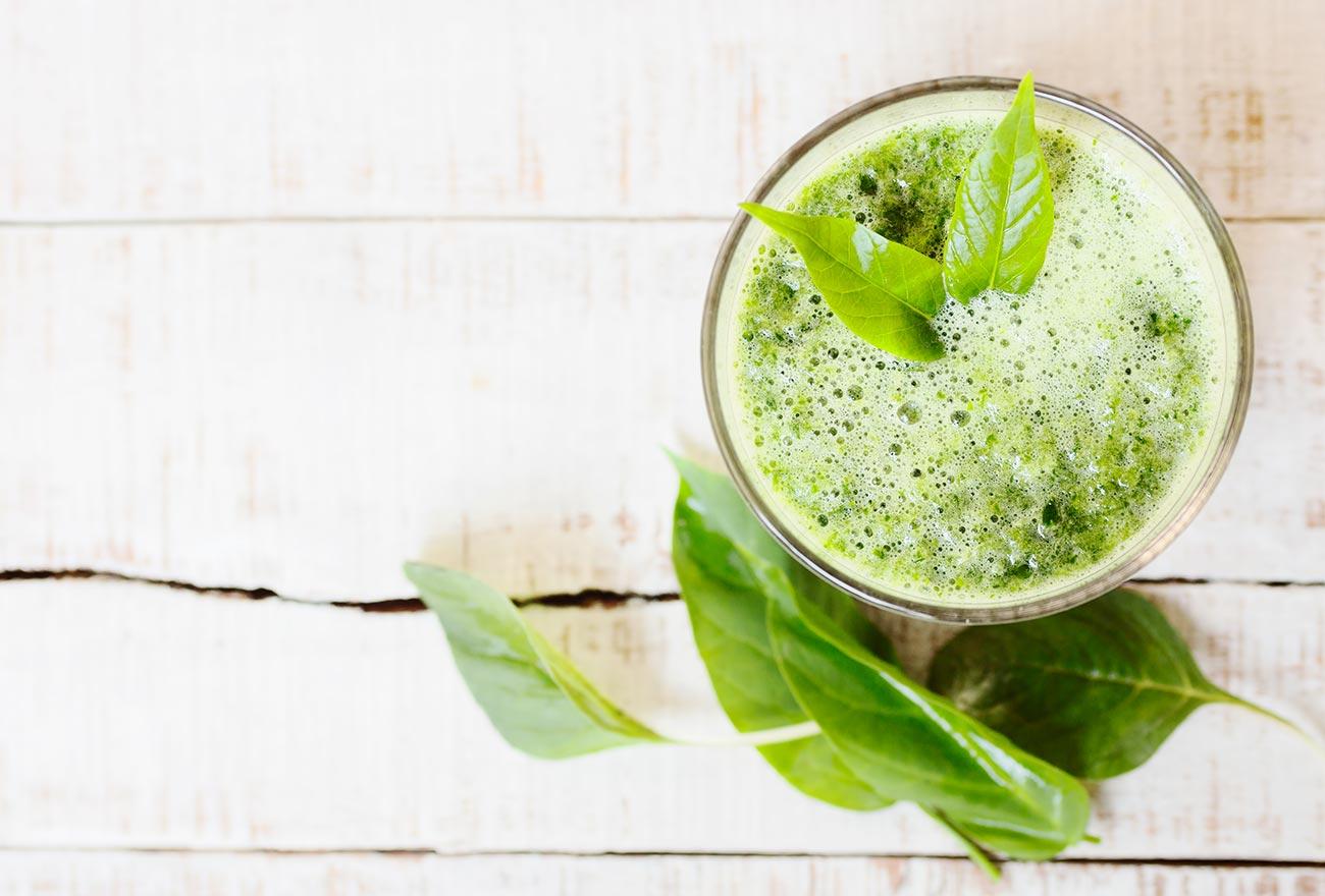 Detox gesunder Smoothie Spinat Minze